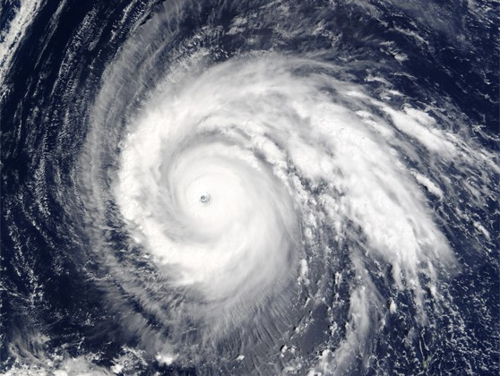 Super_Typhoon_Higos_2002_01